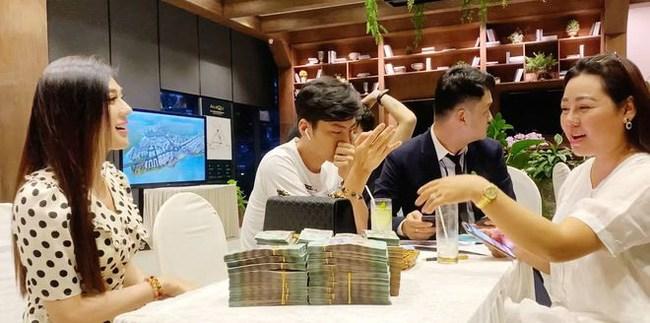 Vác balo tiền đi chốt nhà 30 tỉ, Lâm Khánh Chi còn đòi sắm thêm dinh phủ 50 tỉ đồng - 1