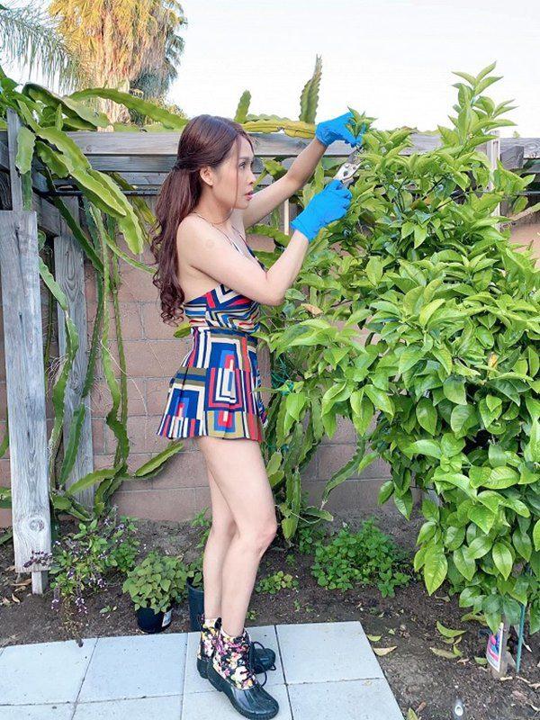 amp;#34;Gái nhảyamp;#34; Minh Thư mặc bikini ra vườn hái bưởi, quả nào quả nấy căng tràn vẫn bị chê - 14