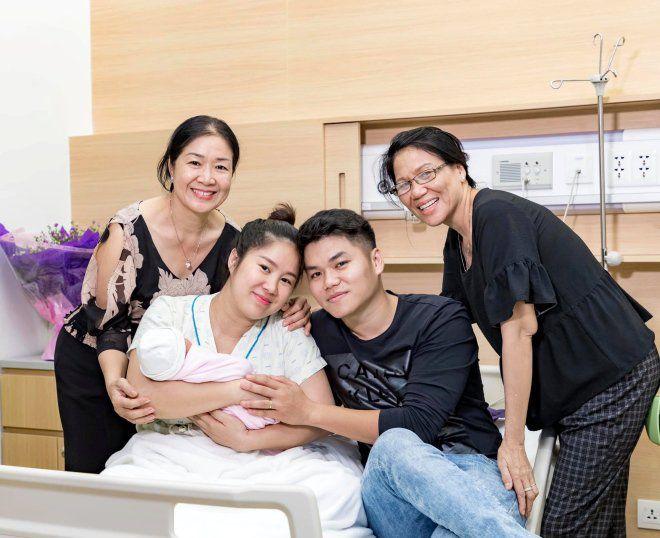 Khi con gái bị chê bai ngoại hình, mẹ Phan Như Thảo và mẹ Lê Phương đẹp bất bại - 1