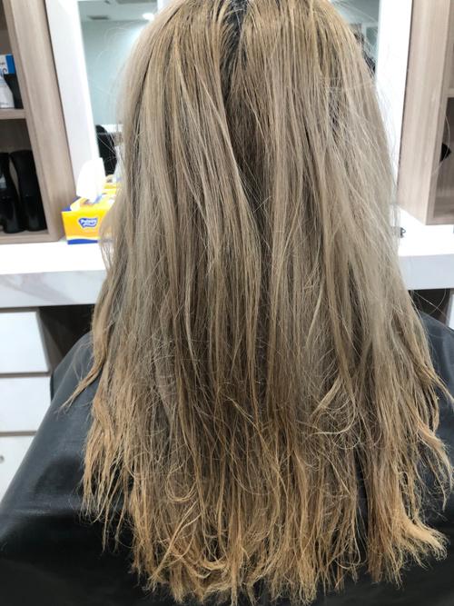 """""""Phá tóc"""" đến mức tiệm tóc bất lực, ai cũng bất ngờ cách xử lý sau đó của cô gái - 1"""