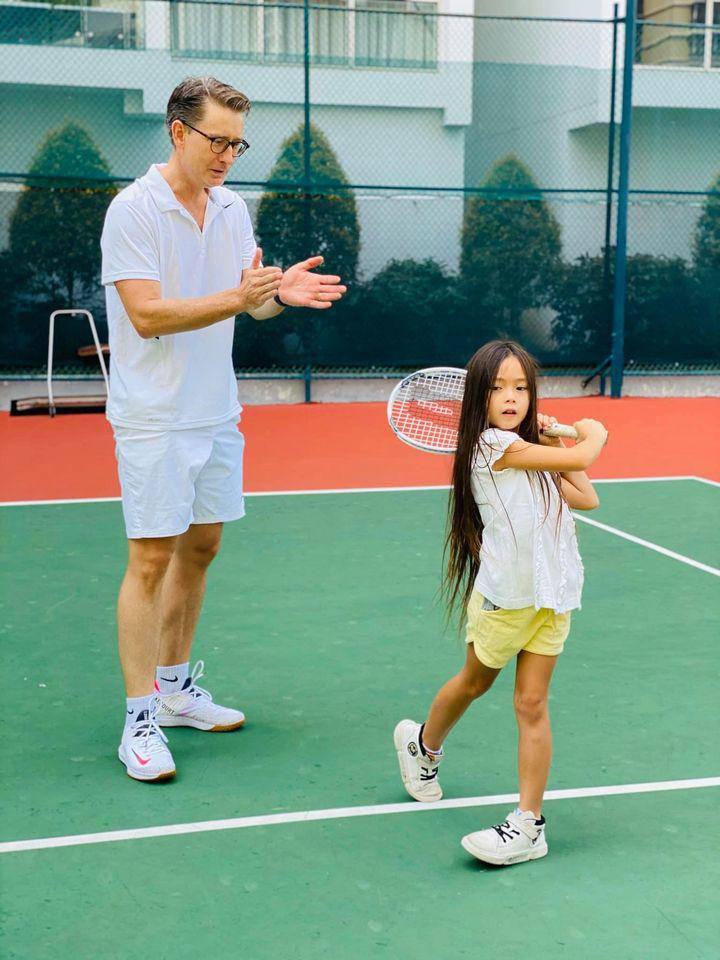 Mới 7 tuổi, con gái Đoan Trangkhoe đôi chân dài tựa siêu mẫu amp;#34;lấn átamp;#34; mẹ - 6