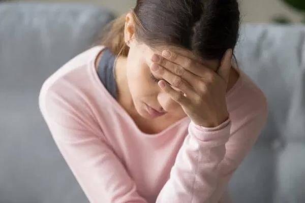 Cô gái 25 tuổi đau đầu đến mờ mắt, khi đi khám bác sĩ amp;#34;sốcamp;#34; phát hiện thứ trong não - 3