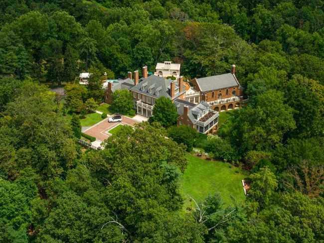 Ngôi nhà bỏ hoang bất ngờ được rao bán giá hơn nửa nghìn tỷ - 3