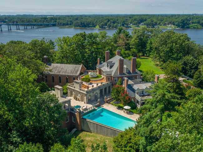 Ngôi nhà bỏ hoang bất ngờ được rao bán giá hơn nửa nghìn tỷ - 4