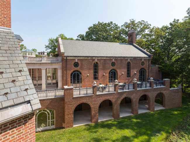 Ngôi nhà bỏ hoang bất ngờ được rao bán giá hơn nửa nghìn tỷ - 6