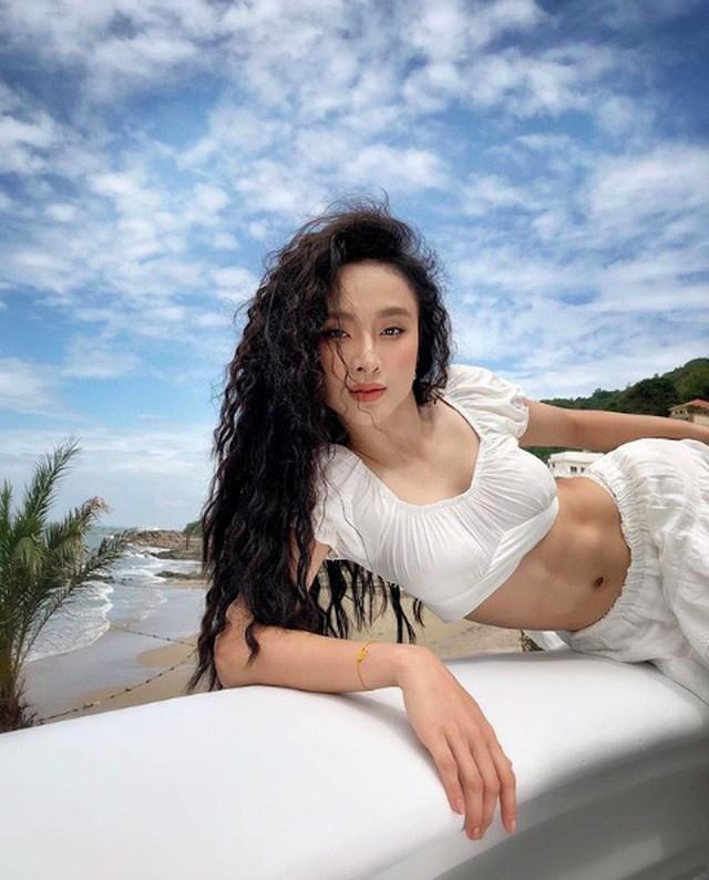 Chuyển sang ăn chay trường, Angela Phương Trinh vẫn giữ đẹp chiếc bụng múi vạn người mê - 4