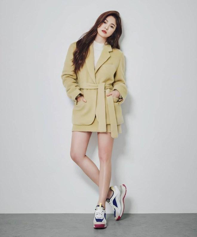Chân ngắn một mẩu, U40 Song Hye Kyo vẫn mê diện mốt quần tàng hình đẹp vượt mặt gái 20-9