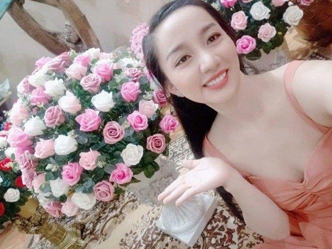 Quá nóng bỏng, 4 cô vợ của sao Việt bị gạ gẫm, giả mạo tài khoản Facebook để amp;#34;đi kháchamp;#34; - 16