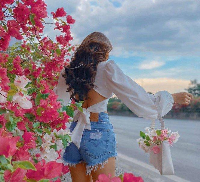 """Hà Nội: Cây cầu hoa giấy bất ngờ bung nở trở lại, check-in """"sương sương"""" có ngay ảnh đẹp! - 6"""