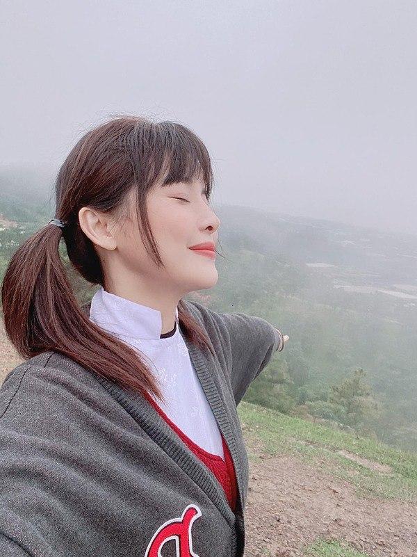 Biến đổi mái tóc một chút, Cao Thái Hà đánh mất hình tượng ngọc nữ điệu đà, sang trọng - 3