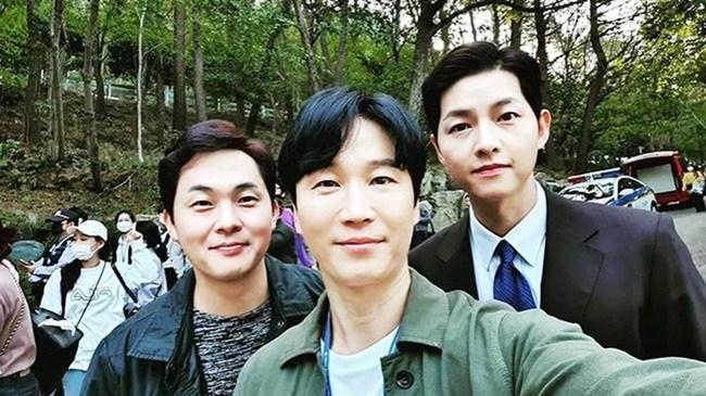 Hậu ly hôn Song Hye Kyo, Song Joong Ki amp;#34;đen đủ đườngamp;#34;, phim 500 tỷ không thể ra rạp - 9