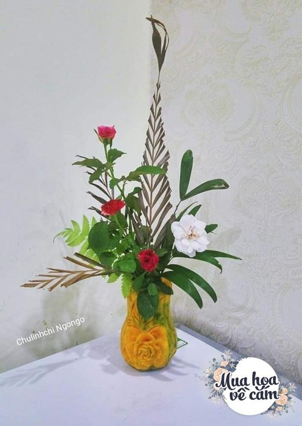 """Mẹ Việt tự tay cắm hoa 20/10, nhìn đến ảnh chim công, dân mạng thốt lên """"nức nở"""" - 20"""