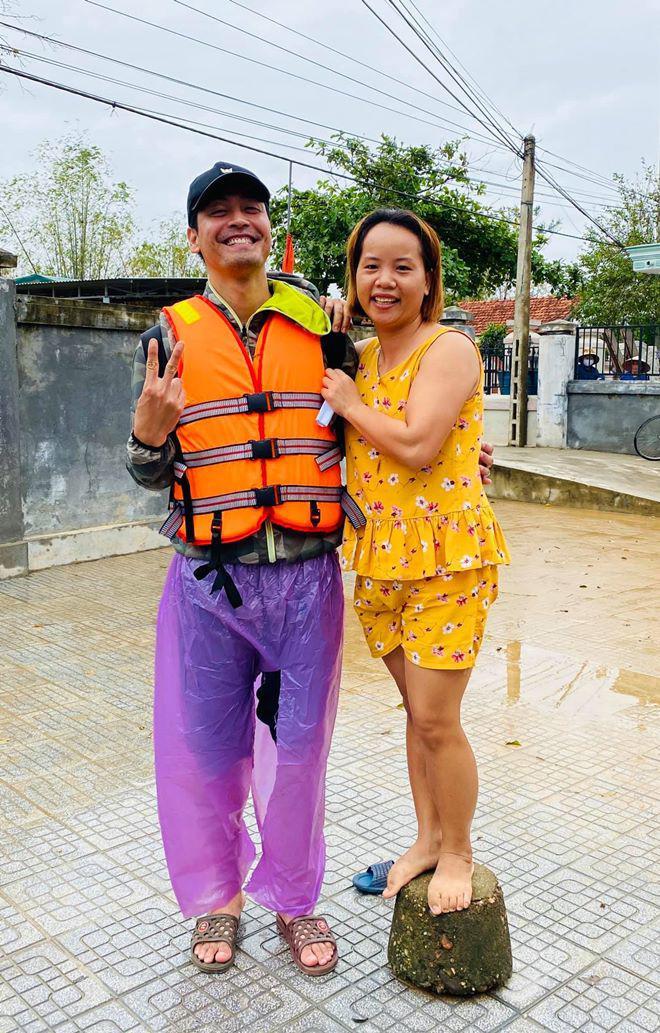 Sao Việt 24h: Hamp;#39;Hen Niê khóc giàn giụa khi bị chỉ trích amp;#34;keo kiệtamp;#34; vì ủng hộ 50 triệu đồng - 7