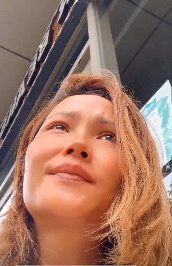 Sao Việt 24h: Hamp;#39;Hen Niê khóc giàn giụa khi bị chỉ trích amp;#34;keo kiệtamp;#34; vì ủng hộ 50 triệu đồng - 3