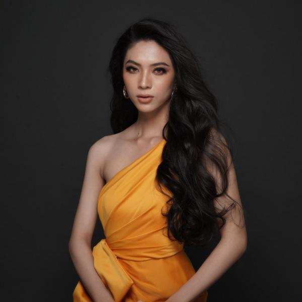 amp;#34;Thần tiên tỷ tỷamp;#34; sàn diễn xuất hiện tại Hoa hậu chuyển giới Việt Nam 2020 - 3