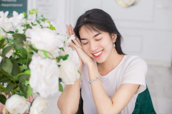 amp;#34;Thần tiên tỷ tỷamp;#34; sàn diễn xuất hiện tại Hoa hậu chuyển giới Việt Nam 2020 - 8