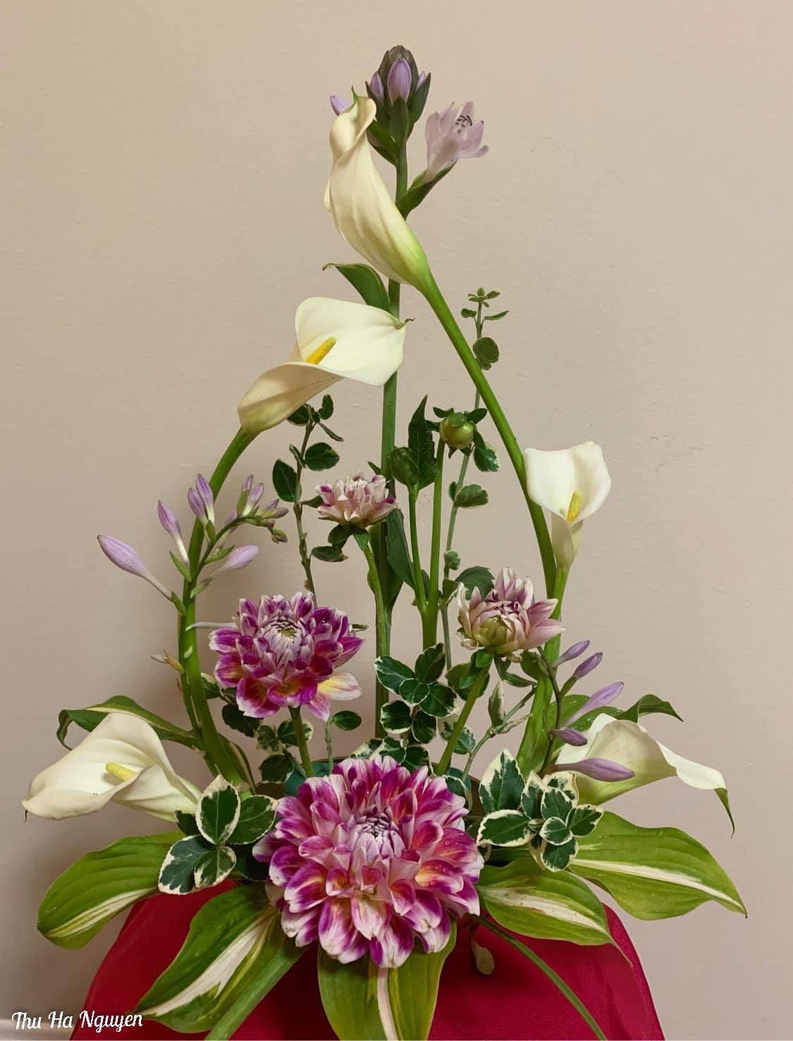 """Mẹ Việt tự tay cắm hoa 20/10, nhìn đến ảnh chim công, dân mạng thốt lên """"nức nở"""" - 15"""