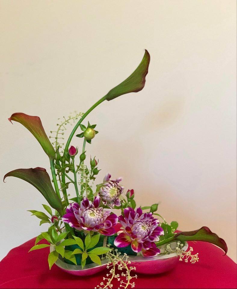 """Mẹ Việt tự tay cắm hoa 20/10, nhìn đến ảnh chim công, dân mạng thốt lên """"nức nở"""" - 16"""