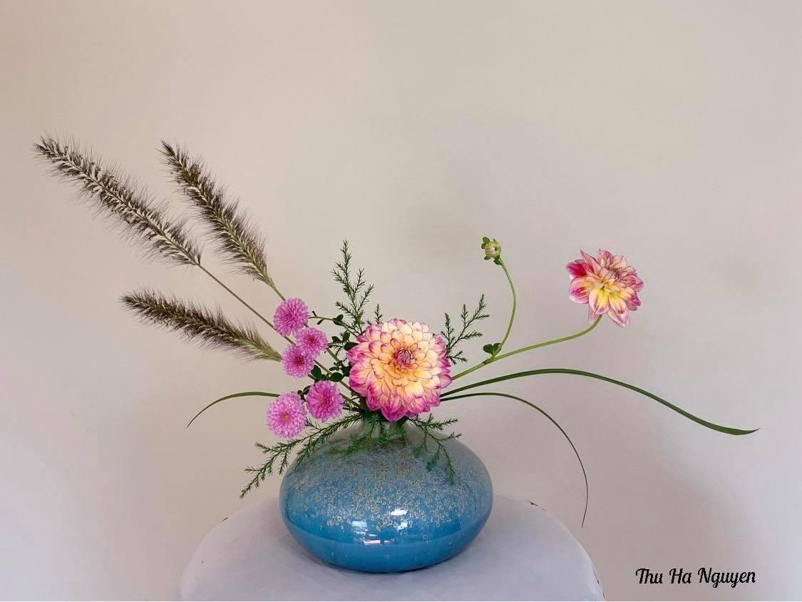 """Mẹ Việt tự tay cắm hoa 20/10, nhìn đến ảnh chim công, dân mạng thốt lên """"nức nở"""" - 13"""