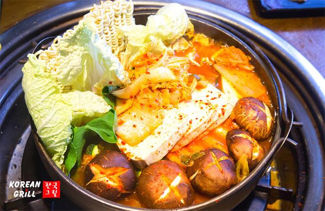 149.000 với Buffet thịt nướng không giới hạn theo phong cách truyền thống Hàn Quốc tại Buzza BBQ - 4