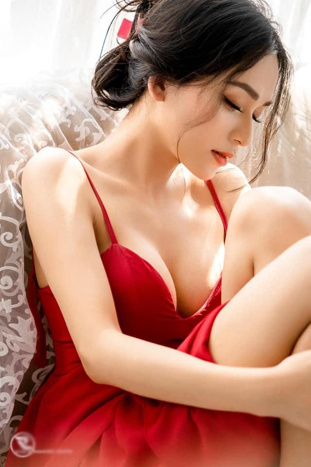 Xuất hiện bản sao Hương Giang thi Hoa hậu Chuyển giới: đủ combo da trắng, mặt xinh - 3