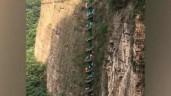 Du khách leo cầu thang xoắn ốc ngoài trời cao nhất châu Á