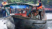 Đi vòng quanh Bangkok bằng taxi nước