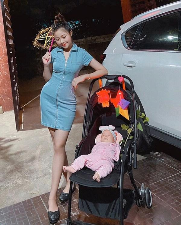 Hội các nàng Wags Việt sau sinh: Ai cũng hóa mỹ nhân, chỉ một người mãi vẫn béo ú - 1