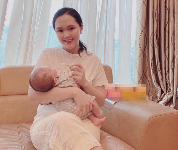 Hội các nàng Wags Việt sau sinh: Ai cũng hóa mỹ nhân, chỉ một người mãi vẫn béo ú - 4