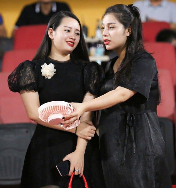 Hội các nàng Wags Việt sau sinh: Ai cũng hóa mỹ nhân, chỉ một người mãi vẫn béo ú - 8