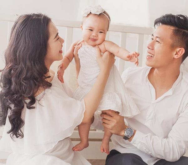 Hội các nàng Wags Việt sau sinh: Ai cũng hóa mỹ nhân, chỉ một người mãi vẫn béo ú - 6