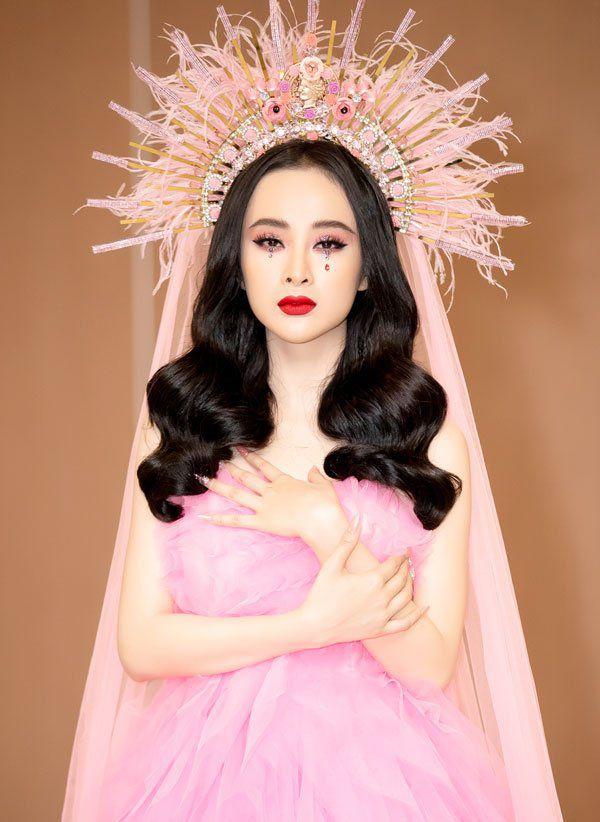 Nữ hoàng thảm đỏ Angela Phương Trinh hóa hoa hồng đen ngày trở lại - 3
