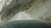 Kinh hoàng khoảnh khắc xe Jeep hỏng phanh, lăn xuống triền núi