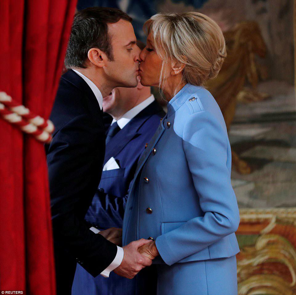 Thời trẻ là minh tinh, vợ hơn 25 tuổi của Tổng thống Pháp giờ U70 chăm dưỡng nhan giữ chồng - 1