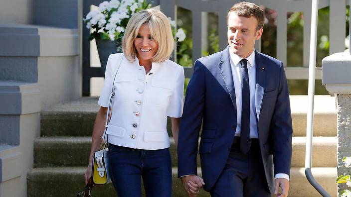 Thời trẻ là minh tinh, vợ hơn 25 tuổi của Tổng thống Pháp giờ U70 chăm dưỡng nhan giữ chồng - 8