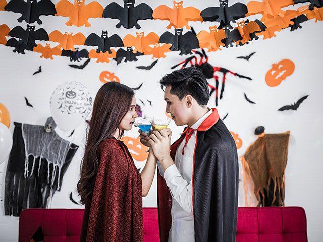 Halloween: Biến hóa cuộc yêu cho cuộc tình biến chuyển
