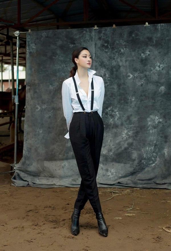 Diện váy xuyên thấu khoét bạo, Lương Thuỳ Linh khoe vòng một đẹp nhất làng Hoa hậu - 8