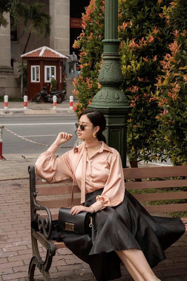 Diện váy xuyên thấu khoét bạo, Lương Thuỳ Linh khoe vòng một đẹp nhất làng Hoa hậu - 12