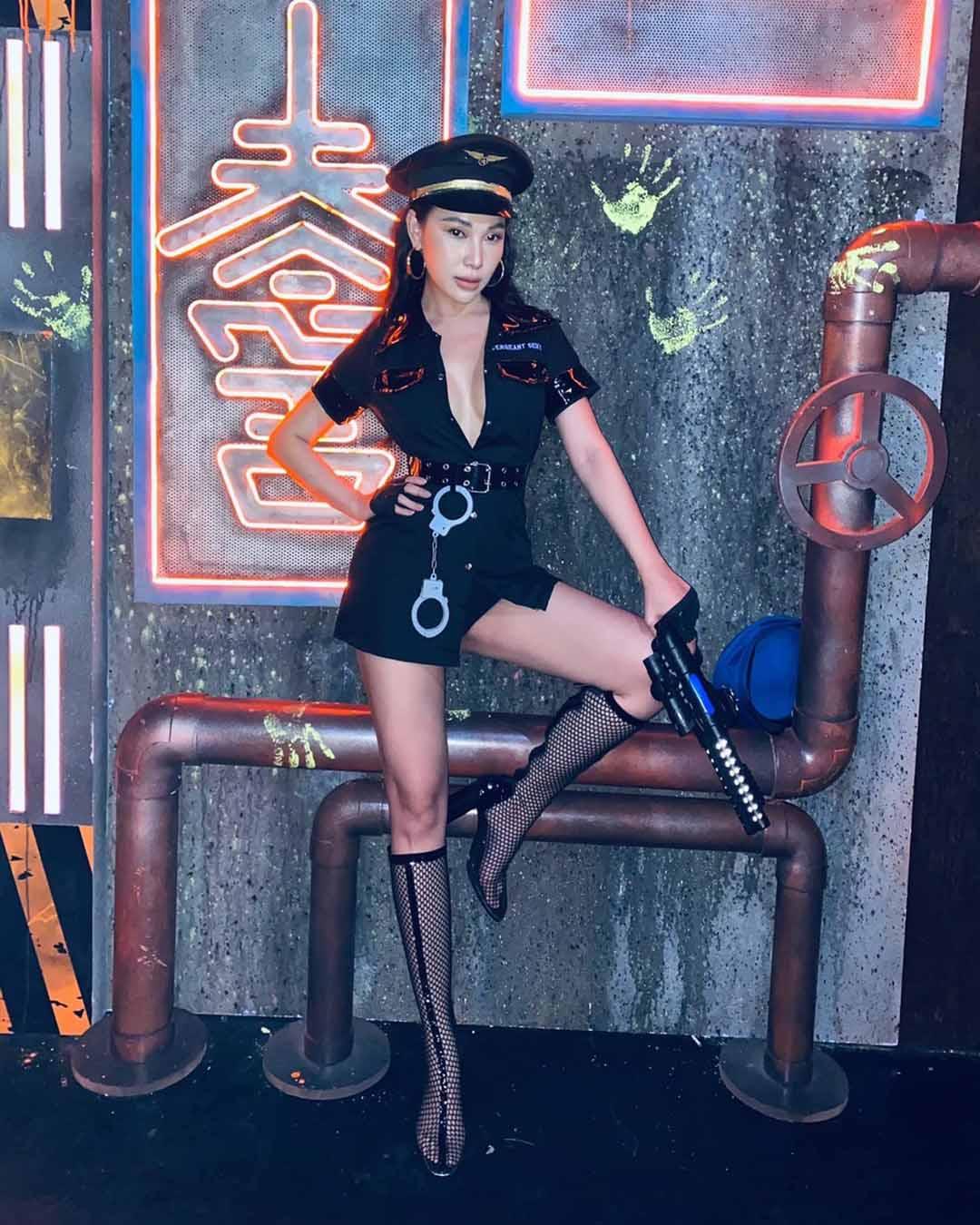 Sao Việt hoá trang Halloween: váy công chúa, đầm cắt bạo được tận dụng khoe triệt để body bốc lửa - 7