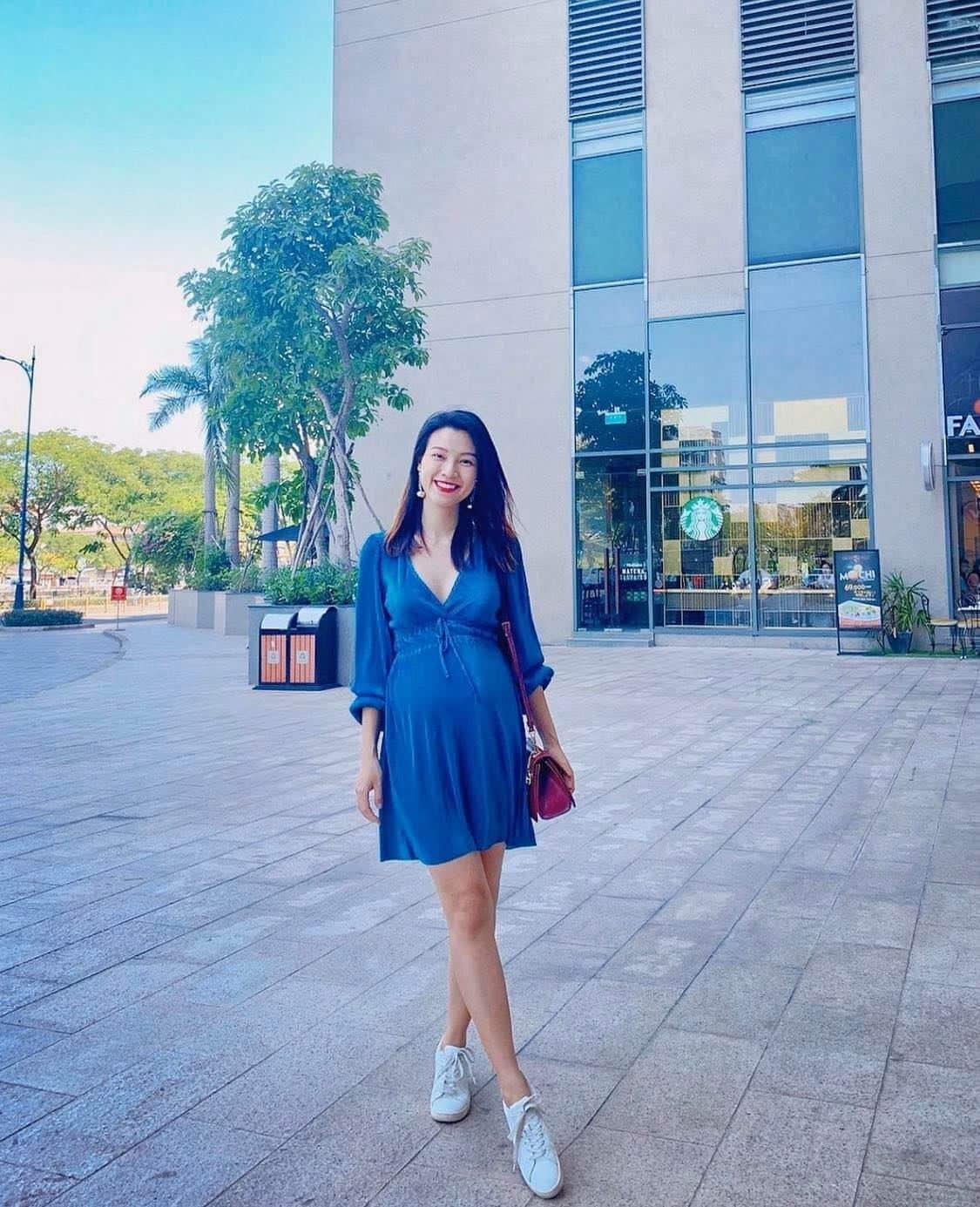Bảo Thanh hiếm hoi khỏe cận cảnh vóc dáng, nhìn combo váy đầm và giày dép đúng chuẩn mẹ bầu - 4