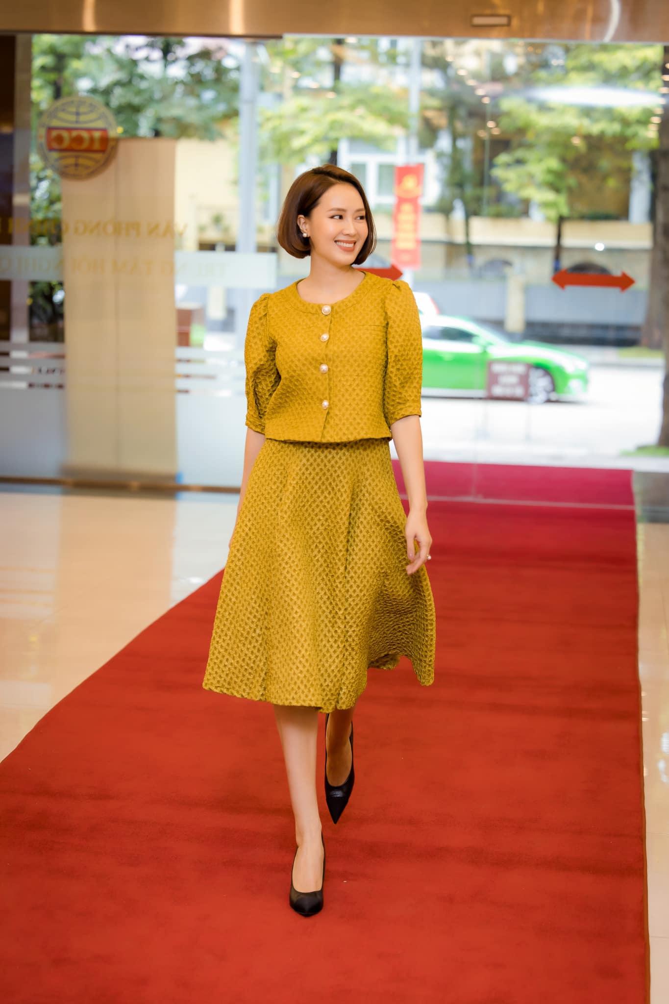 Hồng Diễm hoá thân nàng công chúa tuổi U40, không váy đầm bồng bềnh vẫn đẹp vượt mặt đàn em - 4
