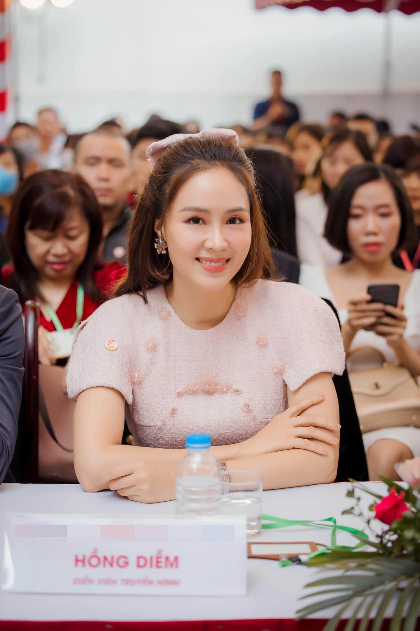 Hồng Diễm hoá thân nàng công chúa tuổi U40, không váy đầm bồng bềnh vẫn đẹp vượt mặt đàn em - 3