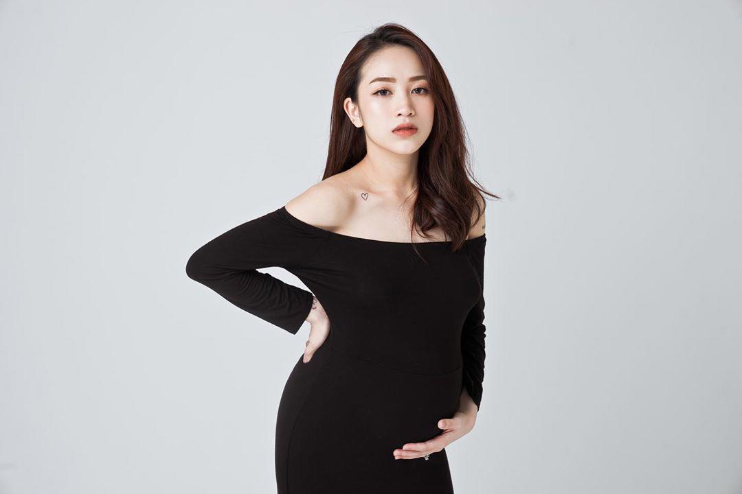 Hiếm hoi ái nữ Minh Nhựa diện bikini khoe dáng sau sinh, hút bộn like không thua amp;#34;mẹ kếamp;#34; - 4