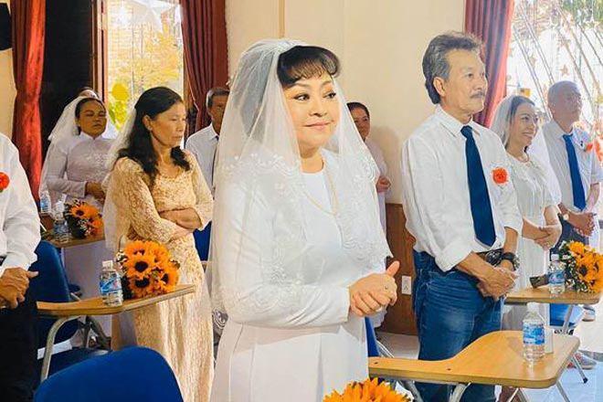 Nghệ sĩ Hương Lan: Tan vỡ hôn nhân 7 năm và đám cưới ở tuổi 63 bao người ngưỡng mộ - 8