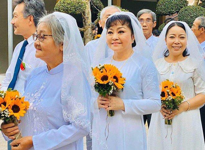 Nghệ sĩ Hương Lan: Tan vỡ hôn nhân 7 năm và đám cưới ở tuổi 63 bao người ngưỡng mộ - 7