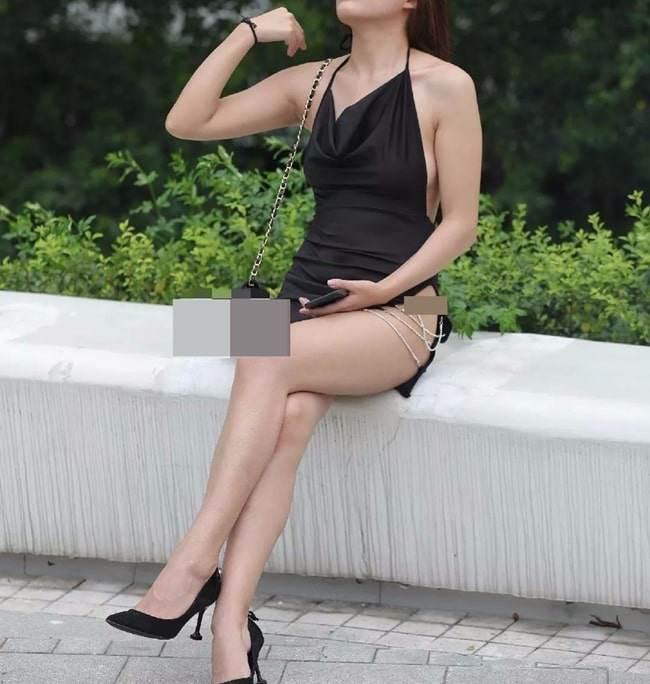 Mỹ nhân Việt diện đầm xẻ bạo cũng amp;#34;chào thuaamp;#34; hội gái Trung với kiểu đồ cắt không điểm dừng - 3
