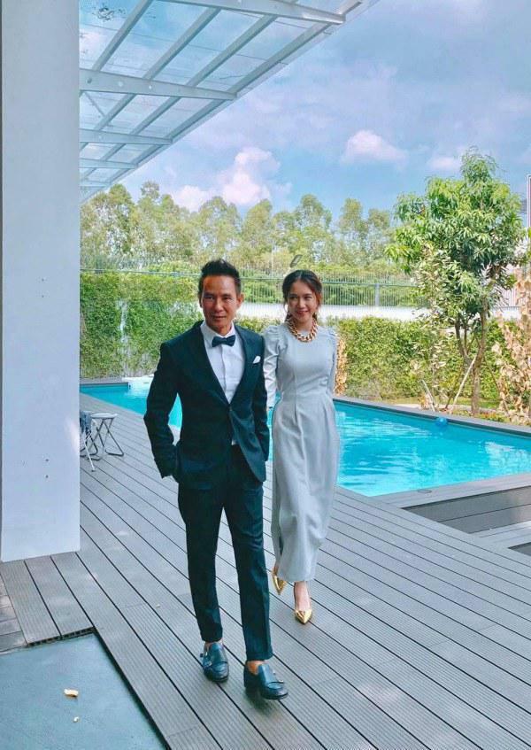 10 năm ngày cưới: Minh Hà diện váy bồng bềnh bên Lý Hải, mẹ 4 con đẹp như công chúa - 4