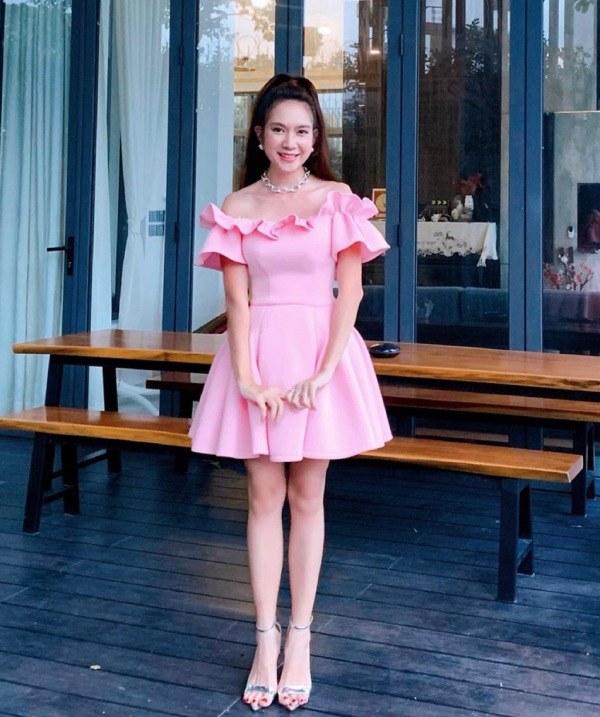 10 năm ngày cưới: Minh Hà diện váy bồng bềnh bên Lý Hải, mẹ 4 con đẹp như công chúa - 6