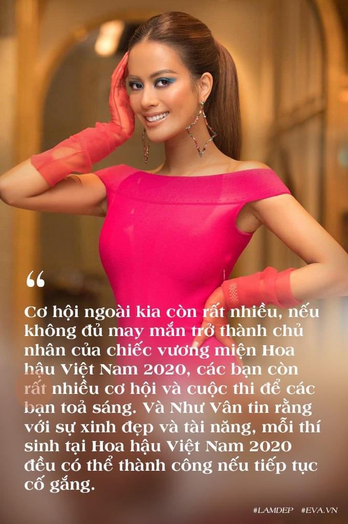 Cô giáo siêu mẫu của dàn Hoa hậu Việt Nam: làm mẹ 2 con mà body bốc lửa miễn bàn - 4