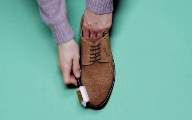 Vệ sinh giày sạch như mới đơn giản tại nhà cho mọi loại giày - 6